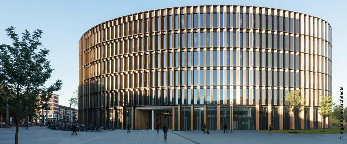Das Freiburger Rathaus ist das erste öffentliche Netto-Plusenergiegebäude der Welt.