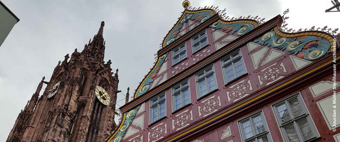 Die Goldene Waage ist ein altes Kaufmannshaus in der historischen Altstadt von Frankfurt, die mit Mineralwolle gedämmt wurde.