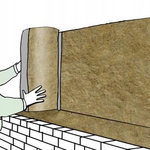 Für die Dämmung eines zweischaligen Mauerwerks im Neubau empfiehlt es sich, Platten oder Rollen aus Mineralwolle zu verwenden.