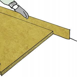 Für die Fußbodendämmung werden hochverdichtete Trittschalldämmplatten aus Glaswolle oder Steinwolle verwendet.