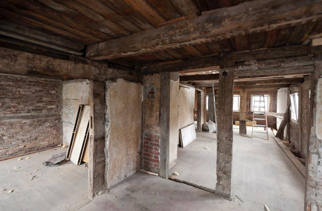 Einer der Innenräume des Fachwerkhauses während der Sanierungsarbeiten.