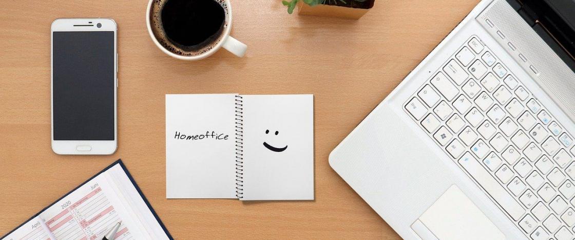 Schreibtisch im Homeoffice | Der Dämmstoff
